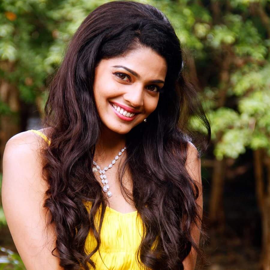 Pooja Sawant bio